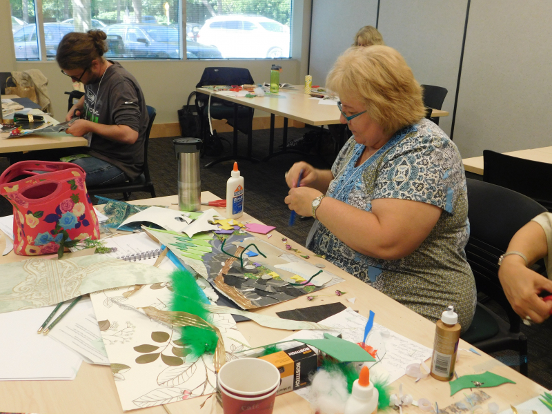 teacher from Summer Conference 2017 creating visual arts